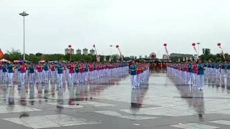 视频制作 萱子;通辽市首届科尔沁运动大会开幕式300人健身球表演