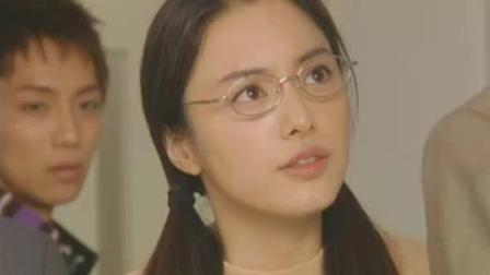 日本女老师为了不让男同学被开除, 对副校长做了超越本分的事情