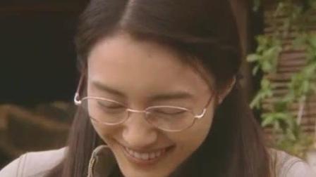 日本女老师为了偶遇公交帅哥, 结果却十分尴尬!