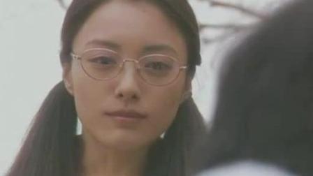 日本女老师有特殊的家庭背景, 却成了她不可告人的秘密