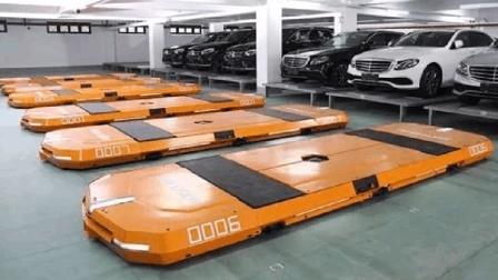 我国发明智能停车场, 机器人2分钟帮你全部搞定, 可同时调度500辆车
