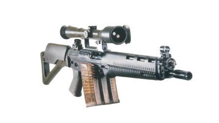 并排弹匣、大量塑料件, 世界排名前三的SG550突击步枪