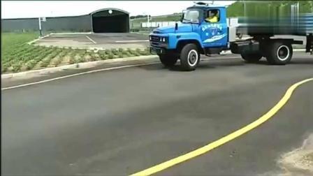 A2驾照考试, S路驾驶, 你觉得这个女司机的技术咋样?