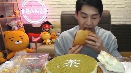 大胃王奔驰哥吃抹茶蛋糕和两大块奶油蛋糕, 最后还要来几盒马卡龙!