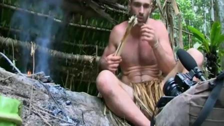 荒野求生: 德哥吃这顿大餐前犹豫了10分钟, 真是个人才