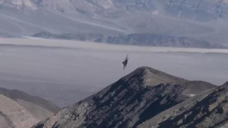 实拍F16战斗机低空飞行, 穿越死亡峡谷!