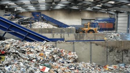 日本4000万吨垃圾无处安放, 中国: 我们现在不收, 别乱打主意