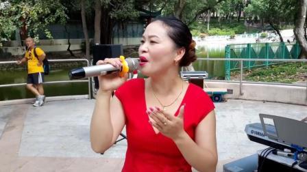 四川美女歌手翻唱《红尘情歌》好听极了