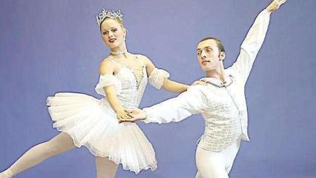 十分完美的男女双人舞蹈表演