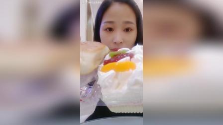 奶油蛋糕盒子+韭菜盒子#吃秀#