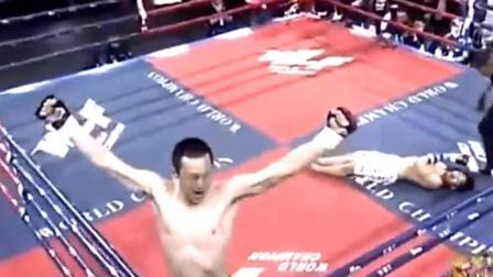 中国强者一拳KO日本人后, 接下来的动作实在太狠辣了, 这是多恨啊!