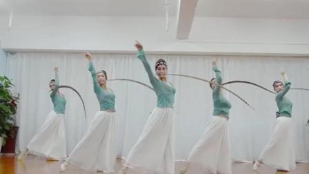 古典舞《旧梦惊尘》, 没想到配练功服也能这么美, 赶快学起来