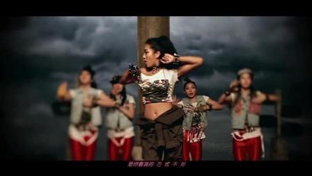 经典歌曲: 吉克隽逸一首非常国际范的音乐《彩色的黑》动感MV超清