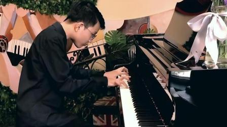 向吕老师汇报钢琴演奏之三: 创意改编《鼓浪屿之波》二稿。增加演奏难度技巧, 提高表现情感。