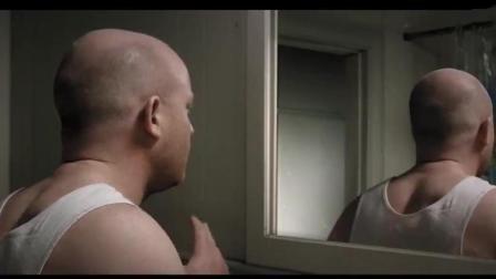 小伙照镜子, 却看不到自己的正脸, 只有后脑勺