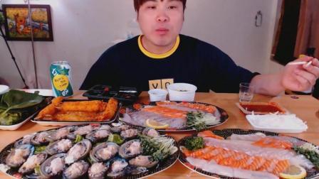 韩国大胃王donkey弟弟吃一大盘鲍鱼、2盘三文鱼光鱼生鱼片、炸虾