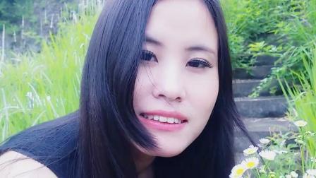 美女翻唱《容易受伤的女人》粤语版,人美歌甜啊