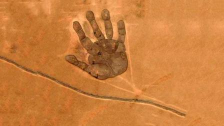 把内蒙古地图放大, 竟发现一个手掌, 到底是怎么回事?