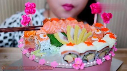 越南灵儿吃三文鱼寿司蛋糕 这就有点奇葩了 谁见过三文鱼蛋糕