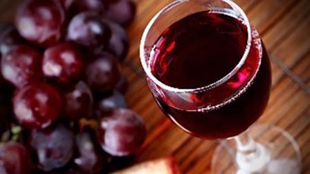 葡萄酒可以促进血液循环, 你知道自制葡萄酒的做法吗? 来看看吧