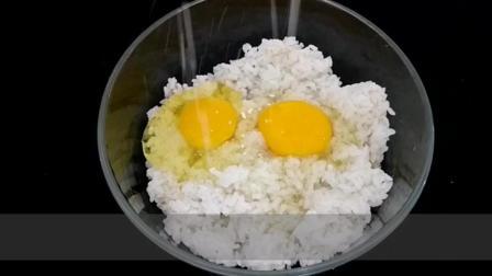 剩米饭只能炒鸡蛋吗? 教你个新吃法, 满嘴留香