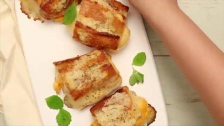 甜面包吃腻了, 偶尔来个咸味面包, 蒜香和芝士简直就是绝配