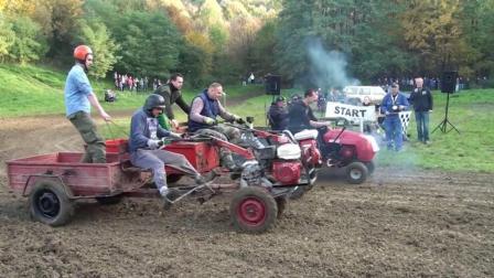 手扶拖拉机比赛, 这反差也太大了, 老哥脸上的泥巴亮了!