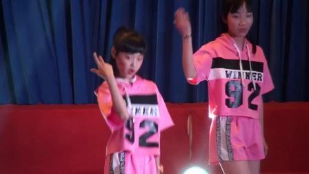 郎溪中学第十七届校园文化艺术节3街舞《毛毛流行舞》