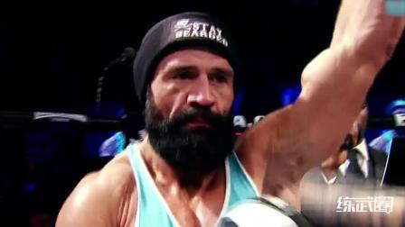 """绰号""""斯巴达人""""的拳手, 他的重量级拳头可让人受不了!"""