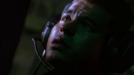 《红潮风暴 普通话版》  底舱进水船员受困为保潜艇关隔离舱