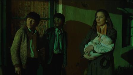《恶童日记》  母亲突现接儿子被拒绝 惨遭轰炸