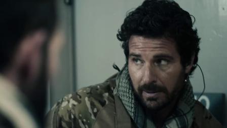 《海豹突击队VS丧尸》 1 摄像男子被丧尸扑倒 遭咬脖惨丧命