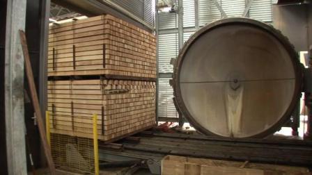 实拍国外锯木厂罕见自动剥皮机内部, 木板加工全程看不到一个人!