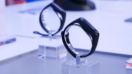 「科技美学现场」小米手环3/小米VR一体机/小米电视4 75寸 现场体验