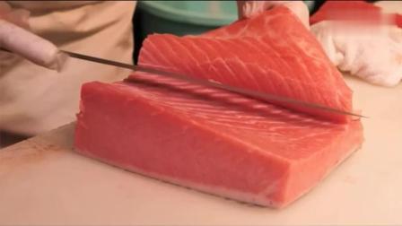 日本顶级大厨处理三文鱼, 刀工精湛, 摆盘精致!