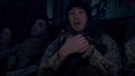 战犬瑞克斯 赶赴前线超紧张 利维获战友安慰祝福
