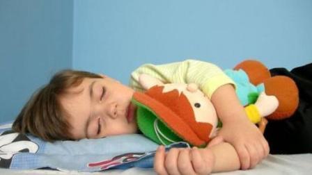 孩子多大分房睡最合适? 很多父母都做错了, 不看简直亏大了