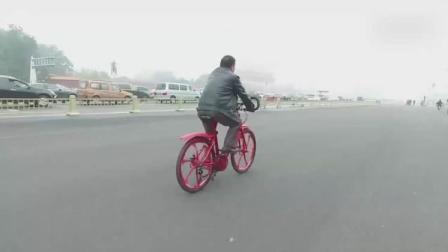 这个自行车, 向后蹬也能跑, 速度是其他的3倍之多!