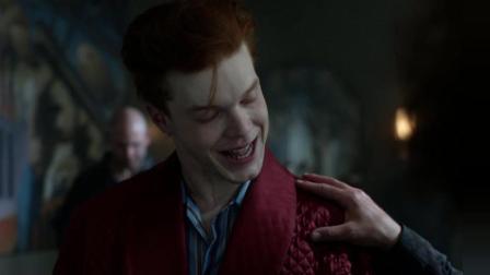 哥谭第二季: 看小丑杰罗姆如何在压力面前保持优雅, 太疯狂了.mp4