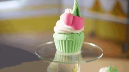 培乐多橡皮泥制作美味纸杯蛋糕