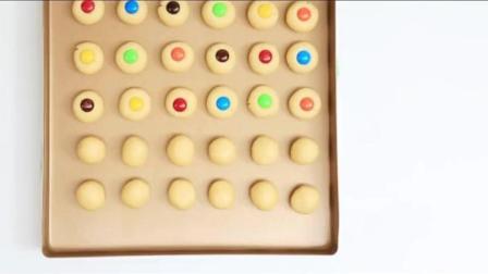 儿童节做这个小饼干, 椰香酥脆, 简单好吃, 满满童年回忆!