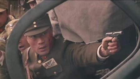 国军在回营途中幸亏抓了个猎人, 否则全部就被鬼子狙击手干掉了