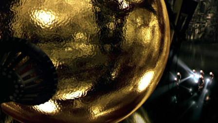 """海底太空船中有一个神秘金球, 进去的人都有了""""梦想成真""""的超能力!"""
