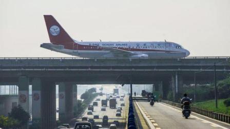 飞机那么重, 是靠什么飞上天的?