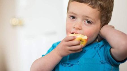 为什么说每天早上空腹吃一个苹果对身体好? 这是有什么原因呢? 说出来你都不敢相信