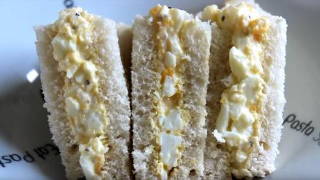 一分钟就能学会鸡蛋三明治做法, 就是这么简单任性, 很美味的早餐