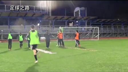 足球训练丨敏捷梯横向滑步训练