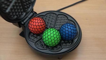 把抗压球放到电饼铛里, 你猜抗压球会变成什么样? 一起来看看吧!