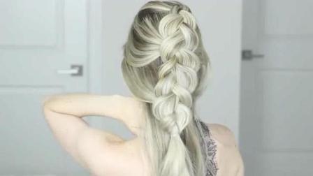 欧美女人这样扎头发, 无论穿什么都会很美