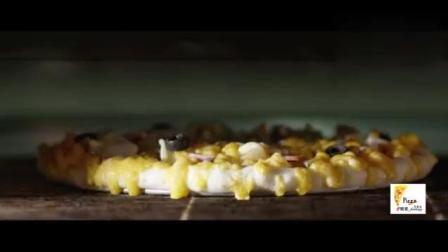 披萨的制作过程 从未见过如此制作的饼底